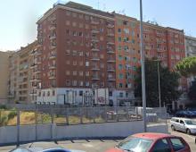 Piazza Zama: tenta il suicidio gettandosi dal ponte sulla ferrovia