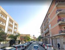 Via Assisi: studente minaccia di lanciarsi dal 5^ piano