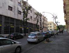 Via Pozzuoli, dopo la strage degli alberi la riduzione dei marciapiedi?