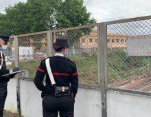 Via Siria: minaccia di lanciarsi sui binari dal cavalcavia: 47enne salvata dai carabinieri