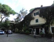 Berlusconi si trasferisce sull'Appia Antica dove visse Zeffirelli