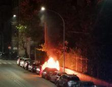 Via Fortifiocca: incendio nella notte; un'auto bruciata
