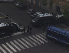 Continua lo sgombero della sede di Forza Nuova di via Taranto