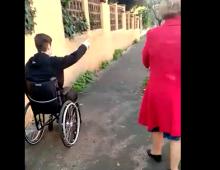 Le mille difficoltà di un disabile lungo le vie dell' Appio Tuscolano