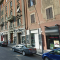 Via Appia Nuova: vandalo armato di coltello danneggia auto parcheggiate