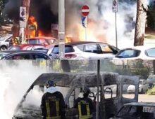 Incendio a Villa Lazzaroni: rogo nel parcheggio, bruciano quattro mezzi