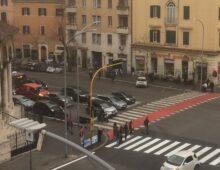 Via Monza, vittoria popolare per le strisce pedonali