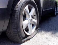 Villa Lais: un vandalo seriale ha squarciato gomme a decine di auto