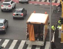 Via Taranto, si ricambia: via i parapedonali