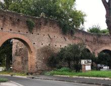 Chiusi gli archi di Porta Metronia per distacchi dalle Mura Aureliane