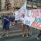 Emergenza rifiuti, i cittadini scendono in strada e bloccano via Tuscolana